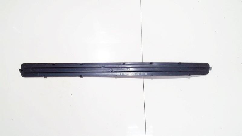 Slenkscio moldingas priekinis Volkswagen Touareg 2008    3.0 7l0853656
