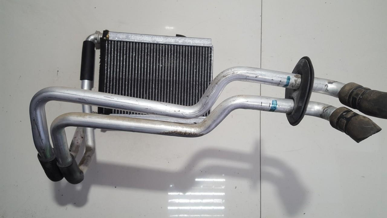 Salono peciuko radiatorius USED USED Toyota AVENSIS VERSO 2002 2.0