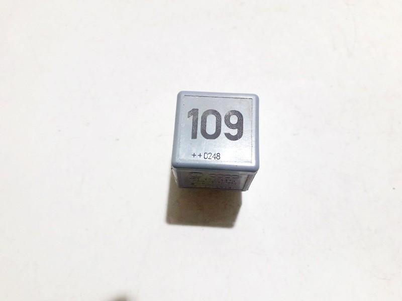 Relay module 1j0906381a v23134-b63-x396 Ford GALAXY 2001 2.3