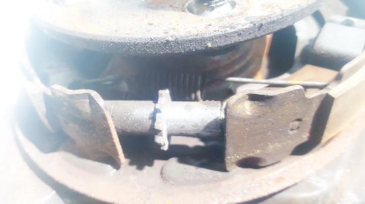 Toyota  Avensis Rankinio stabdzio mechanizmas