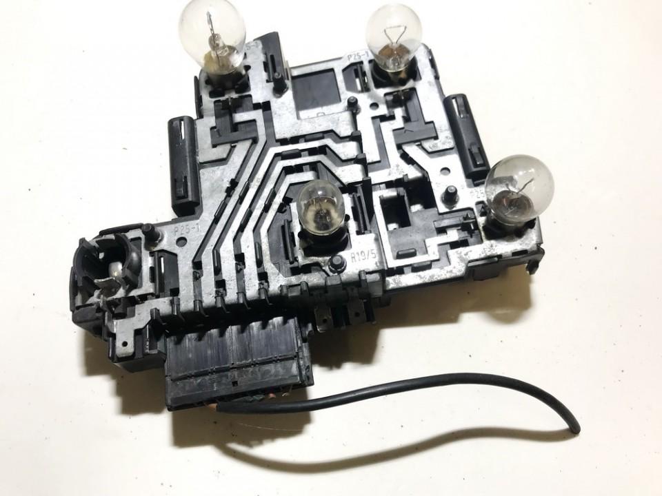 Galiniu zibintu plata 191945258 r1 Volkswagen GOLF 2004 1.6