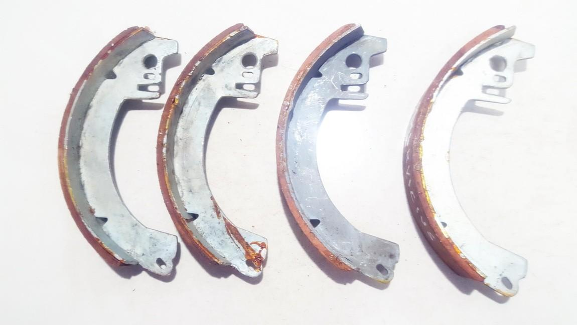Brake Shoe Kit Moskvich 412 1980    0.0 used