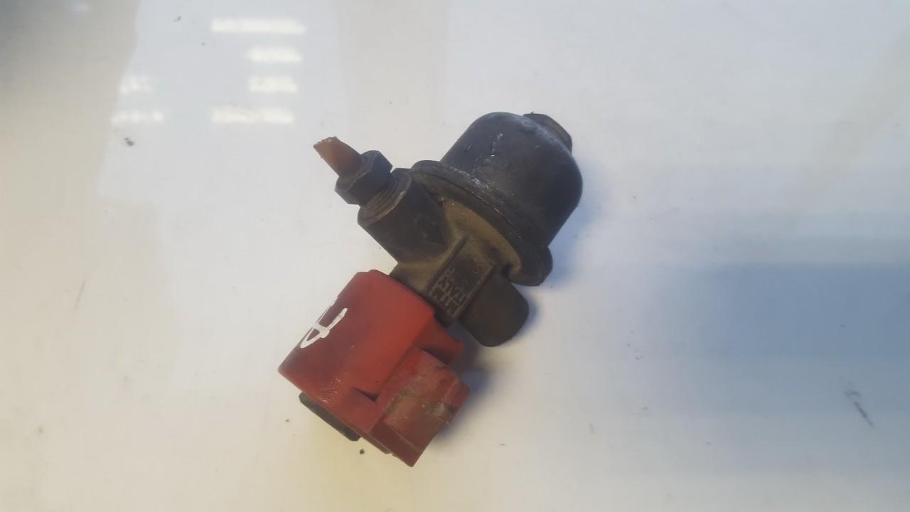 Kiti variklio davikliai SAAB 9-5 1998    2.0 ET98