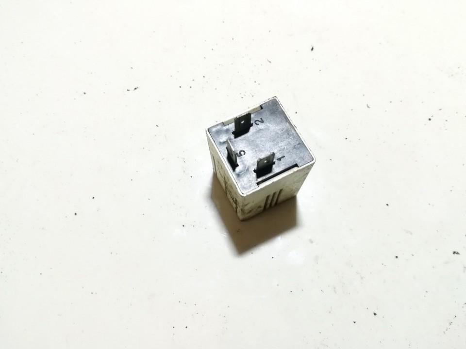 avvacp3 used Rele Citroen Berlingo 1999 1.4L 4EUR EIS00710148
