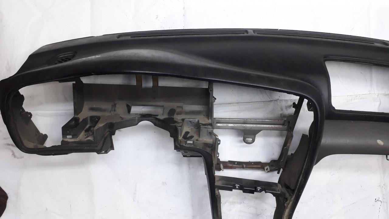 Salono panele Subaru Outback 2000    2.5 USED