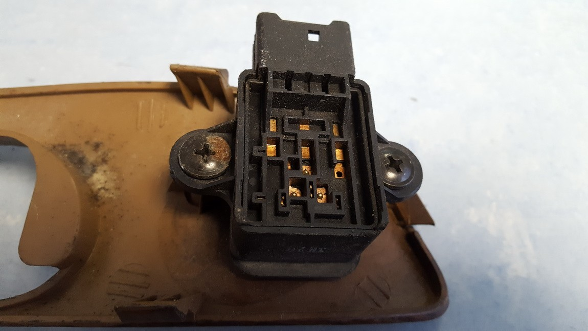 Veidrodeliu sildymo mygtukas Chevrolet Rezzo 2000    0.0 96446353
