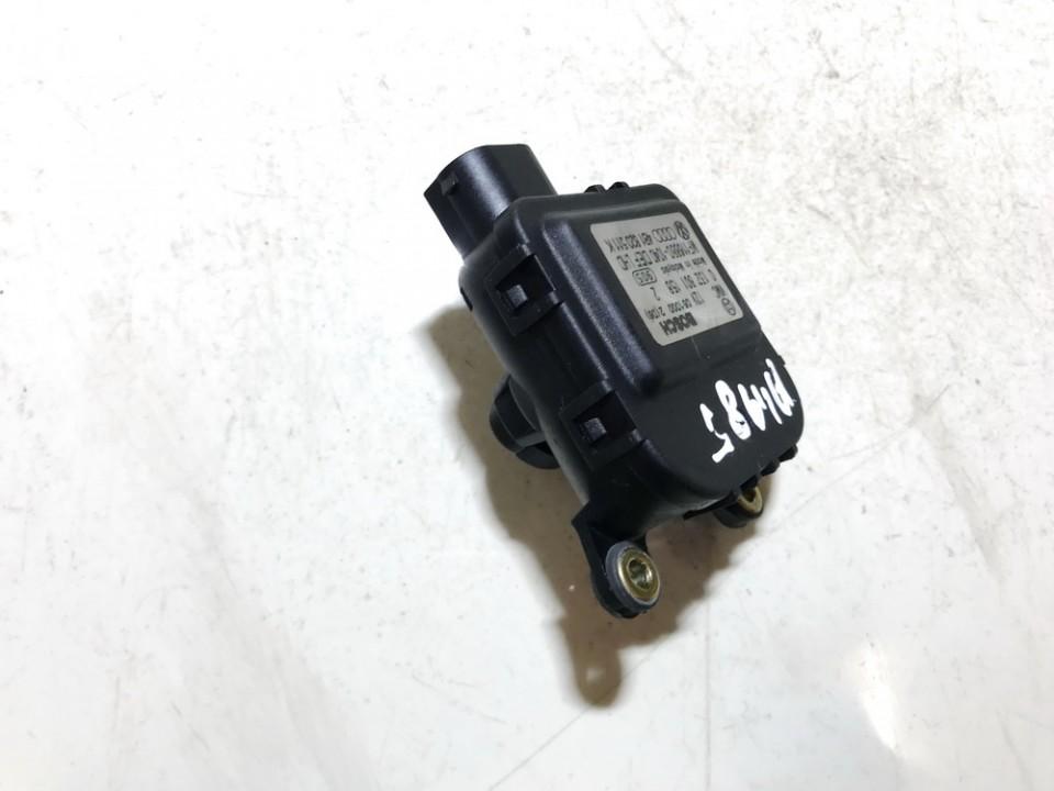 Peciuko sklendes varikliukas 0132801158 4b1820511k Audi ALLROAD 2001 2.5