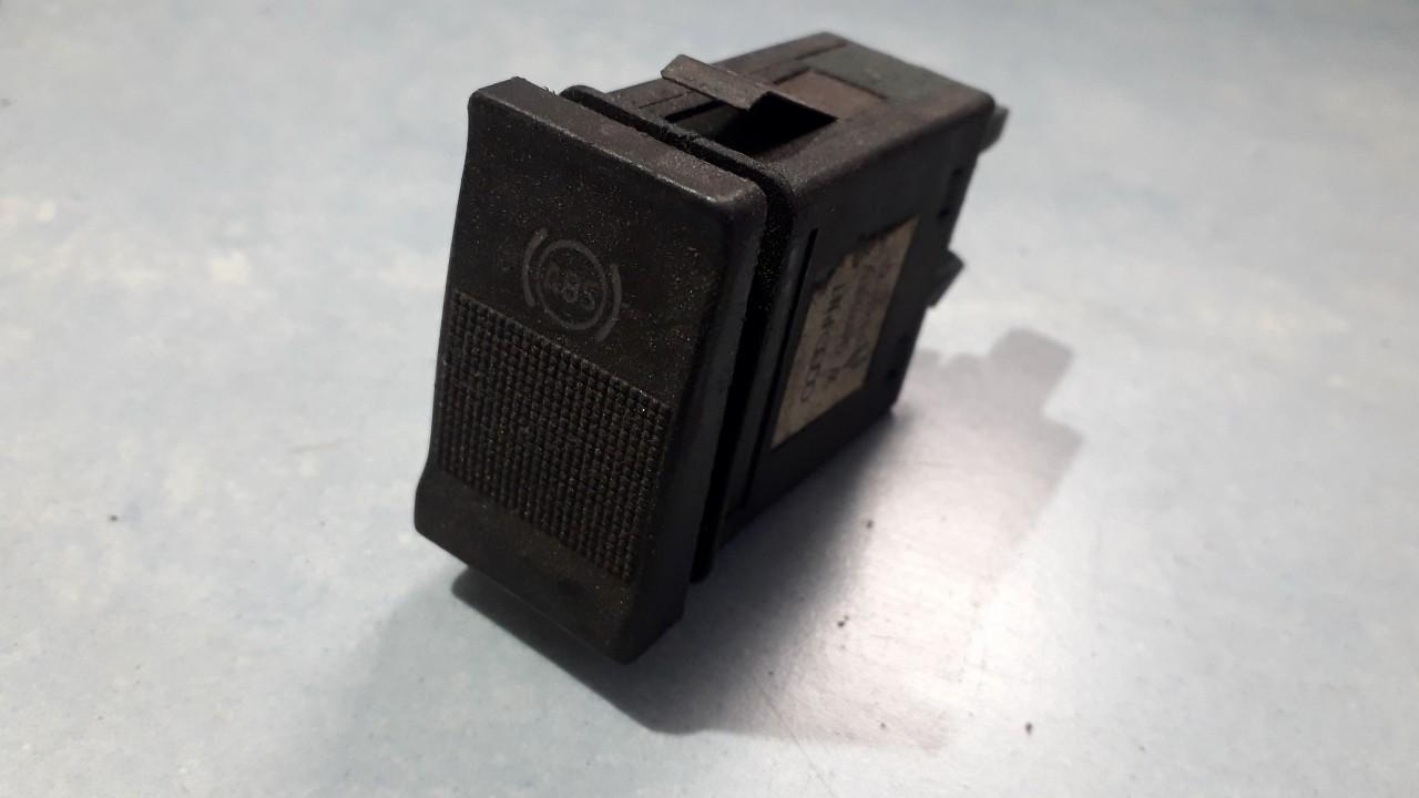 Кнопка антипробуксовочной системы (Включатель ABS)