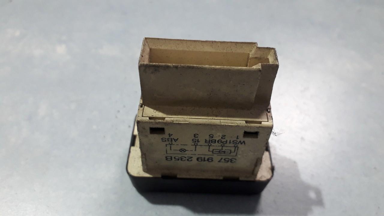 ABS mygtukas Volkswagen Passat 1990    0.0 357919235B