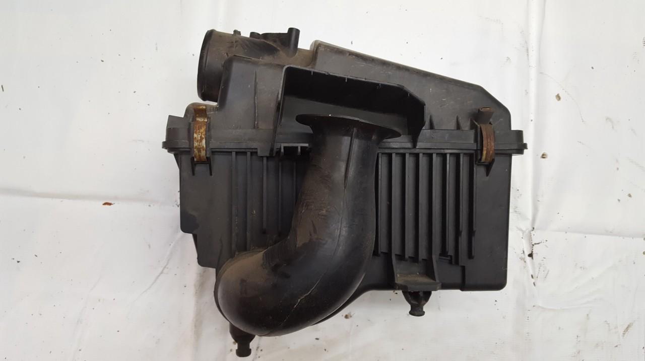 Mazda  6 Air filter box