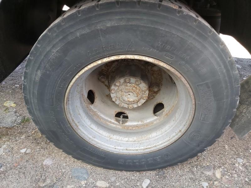 Priekabos ratas : R17.5 used used Truck - Renault MIDLUM 2002 6.2