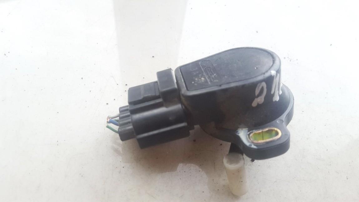 Droselines sklendes padeties daviklis (potenciometras) Mazda MPV 2003    2.0 CB0541AC0