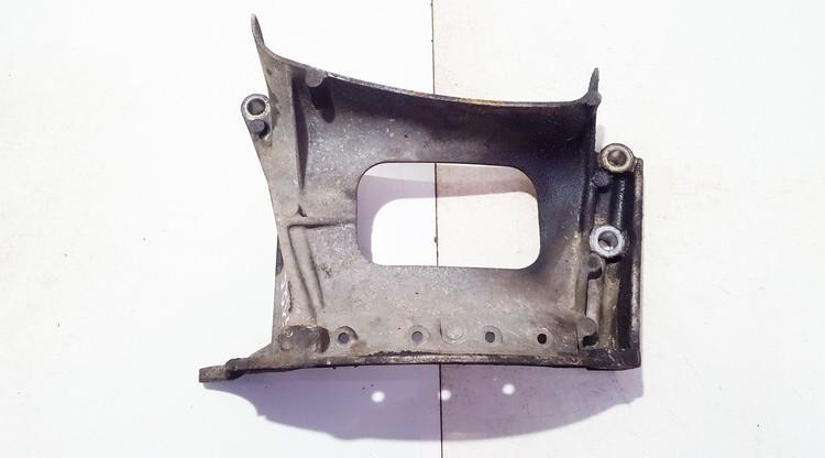 Variklio kronsteinas ir Greiciu dezes kronsteinas used used Toyota YARIS 2006 1.4