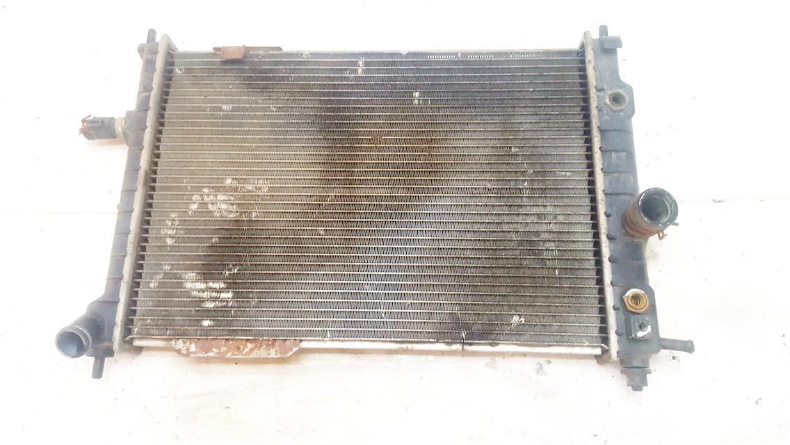 Vandens radiatorius (ausinimo radiatorius) 52456309 USED Opel ASTRA 1998 2.0