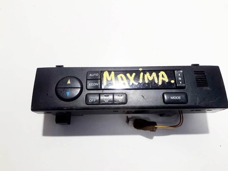 Nissan  Maxima Climate Control Panel (heater control switches)