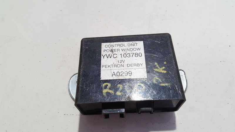 Electric window control unit Rover 200-Series 1996    0.0 YWC103780