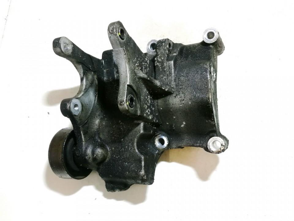 Kia  Sportage Engine Mount Bracket and Gearbox Mount Bracket