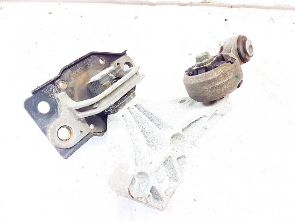 Variklio pagalves bei Greiciu dezes pagalves 11210jd500 11350jd000 Nissan QASHQAI 2008 2.0