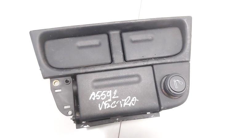 90585970 used Puodeliu laikiklis Opel Vectra 1998 2.0L 9EUR EIS00886452