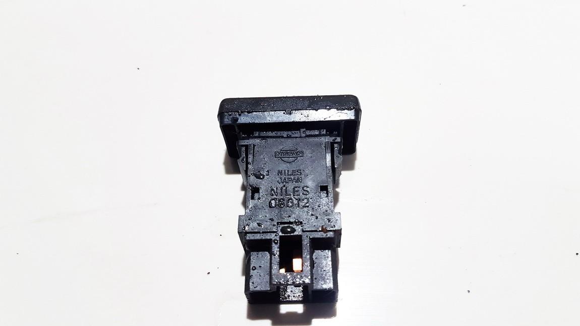 Zibintu apiplovimo mygtukas Ford Maverick 1995    2.7 USED