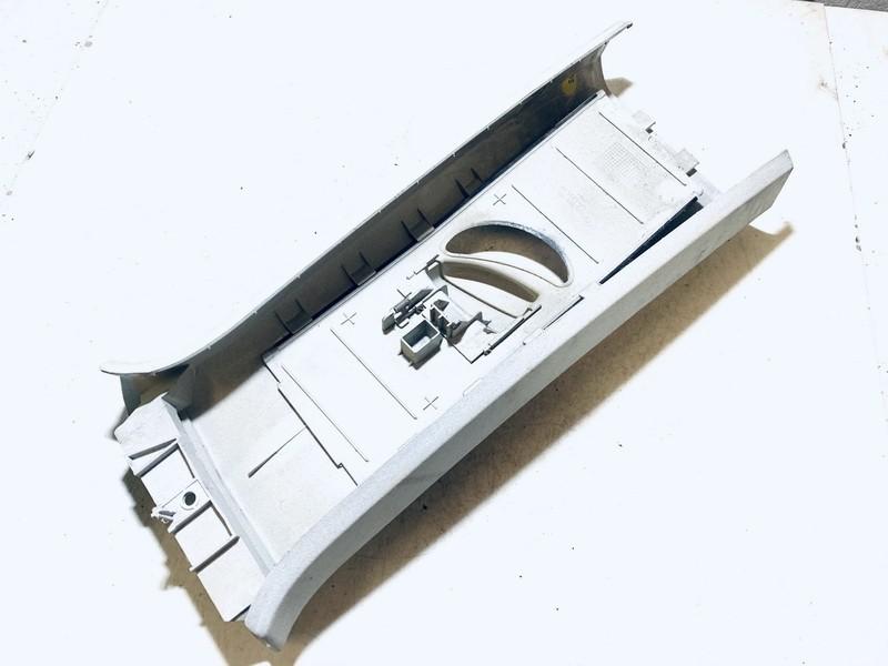 Saugos dirzo dangtelis (apdaila) P.D. Volkswagen Touran 2003    1.9 1t0867244