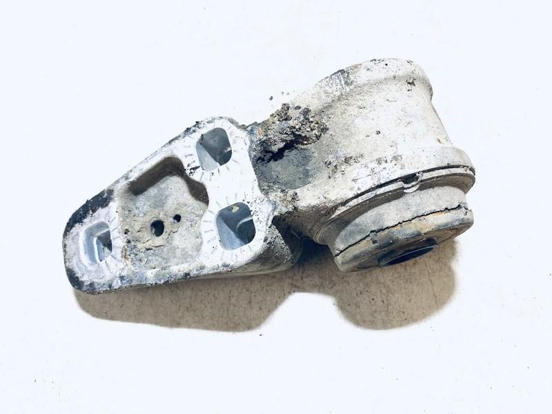 Traverso sailenblokas G.D. (tilto) Volkswagen Passat 1998    1.9 8e0501522l