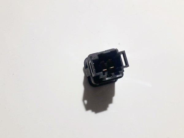 03000313 used Degalu bako atidarymo mygtukas Volkswagen Passat 1998 1.9L 5EUR EIS00938897