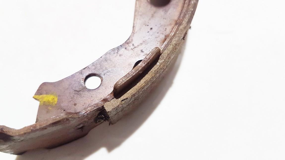 Brake Shoe Set, parking brake Nissan Qashqai 2007    1.6 7i06