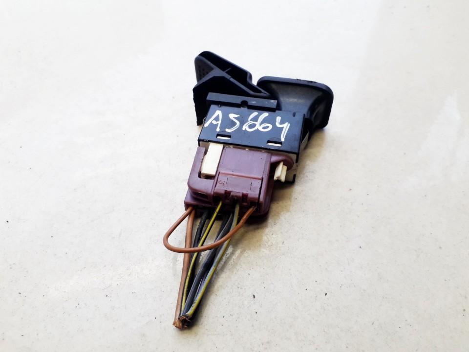 Valytuvu mygtukas Ford Fiesta 1986    1.6 USED