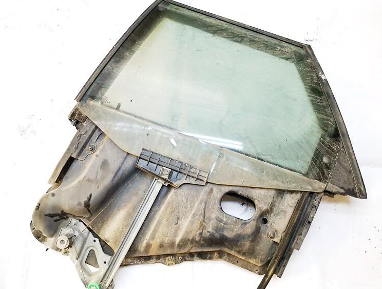 Duru lango pakelejas G.K. Audi  80