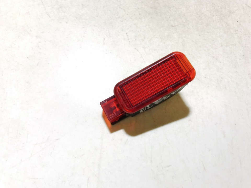 Duru apsvietimas P.D. Audi A4 2002    2.0 3b0947415