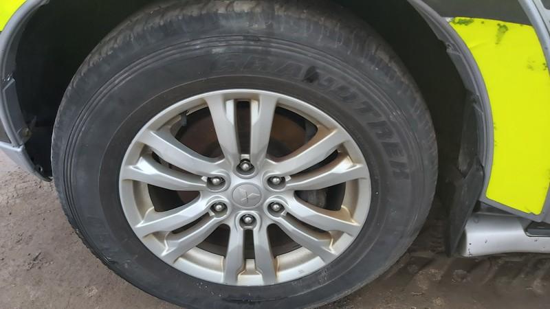 Lietu ratu komplektas R18 Mitsubishi Pajero 2014    3.2 used