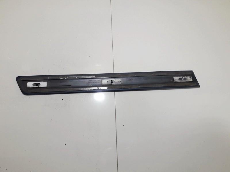 Sparno moldingas G.K. Audi A3 2004    1.9 8P3853983B