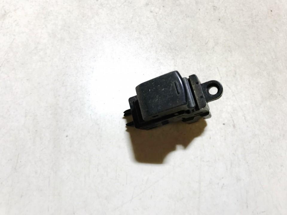 Nissan  Qashqai Stiklo valdymo mygtukas (lango pakeliko mygtukai)