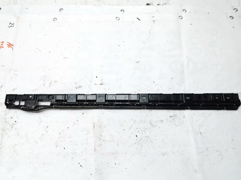 Slenkscio laikiklis desinys BMW 5-Series 2011    0.0 51777201255