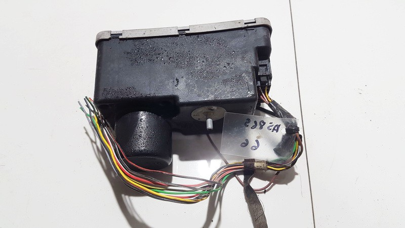 Central Locking Pump Volkswagen Golf 1995    1.8 1H0962257