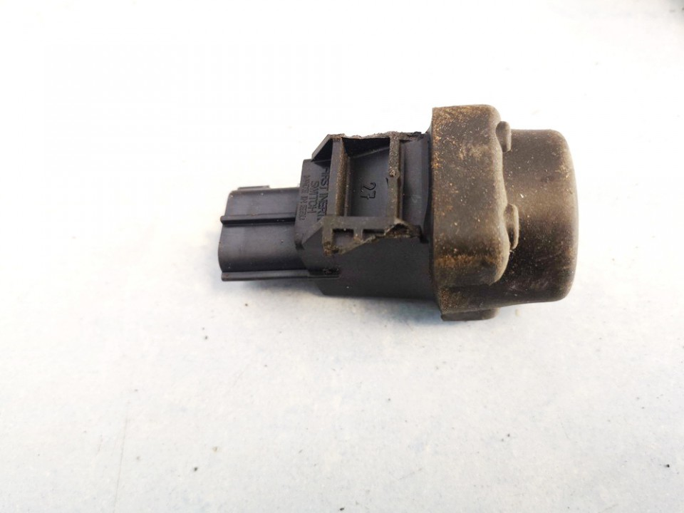 Inertia fuel cut off switch (FUEL CUT OFF SWITCH) Honda Accord 2000    2.0 35910504g010
