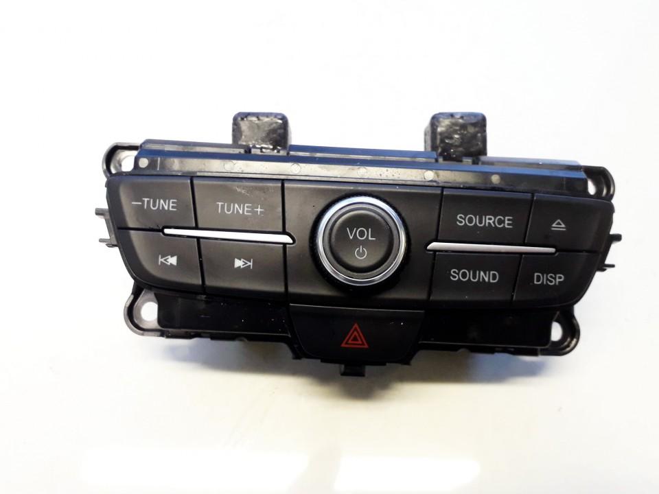 Automagnetolos valdymo konsole Ford Kuga 2019    2.0 P1CB19H346BA