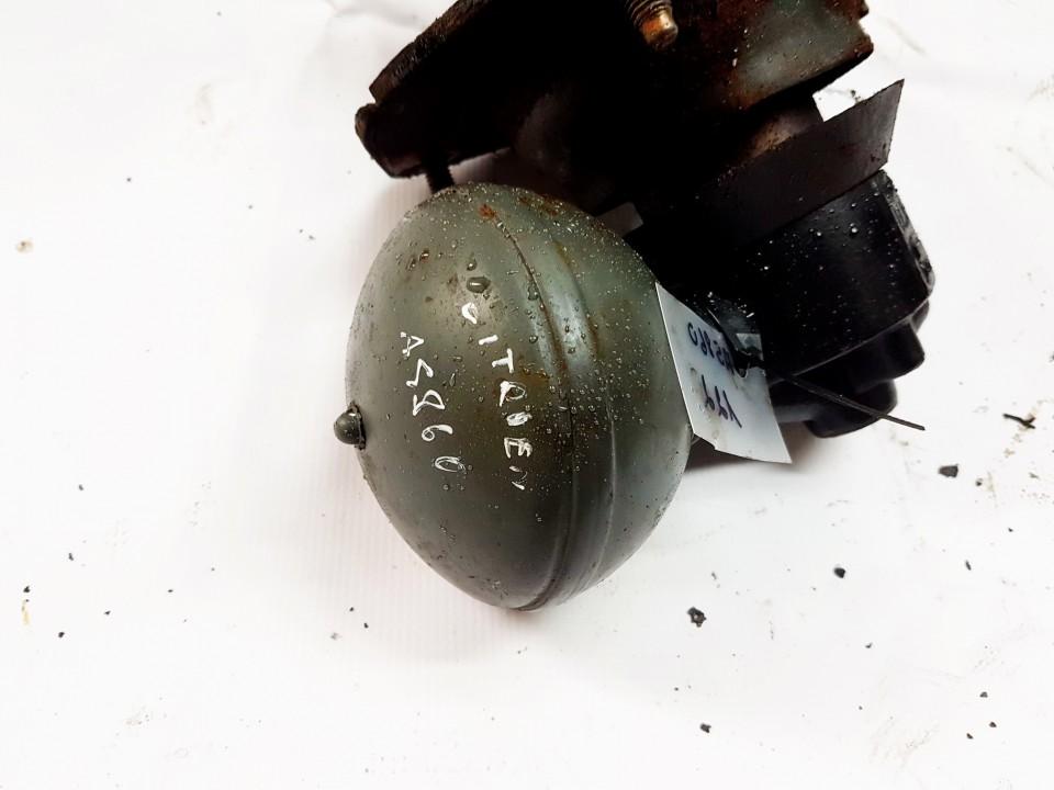 Kriause (slegio kaupiklis) P.K. Citroen C5 2001    2.0 C557FJ