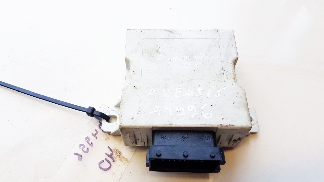 Wiper wash control (wiper relay) Toyota Avensis 2005    2.0 150696
