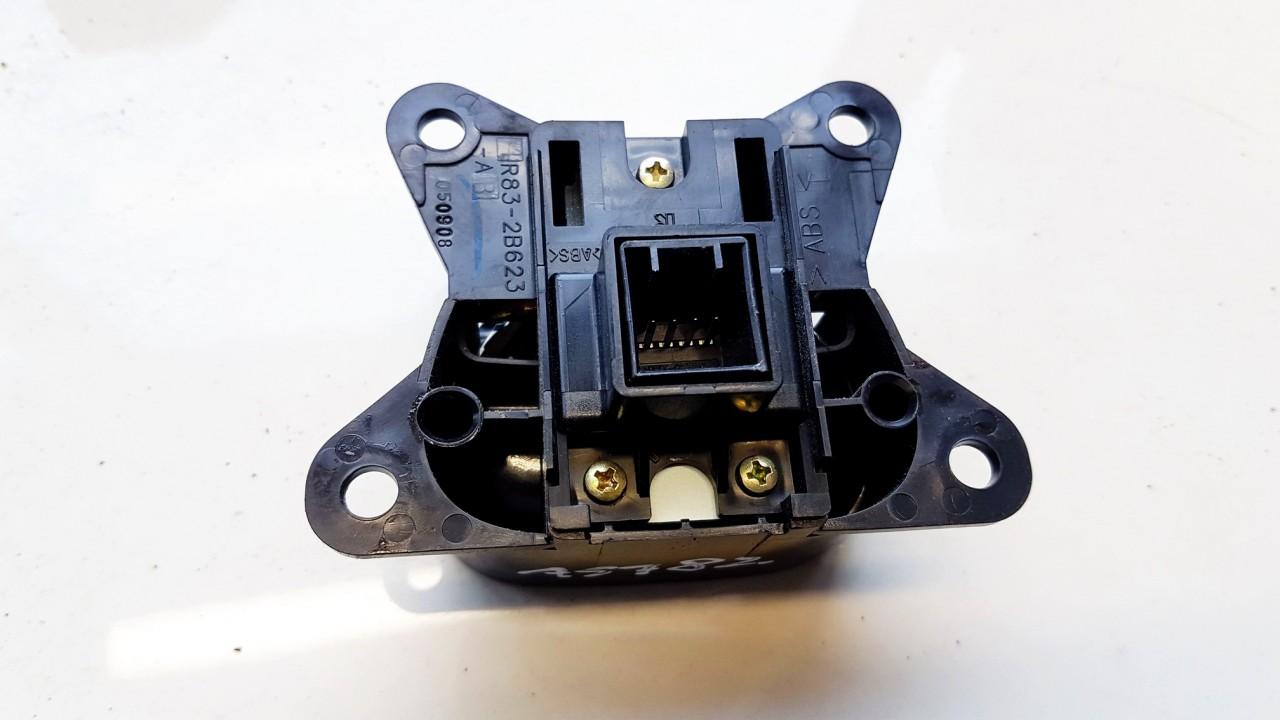 Rankinio stabdzio mygtukas Jaguar XJ 2006    4.2 R832B623A