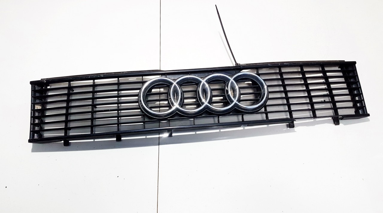 Audi  80 Front hood grille