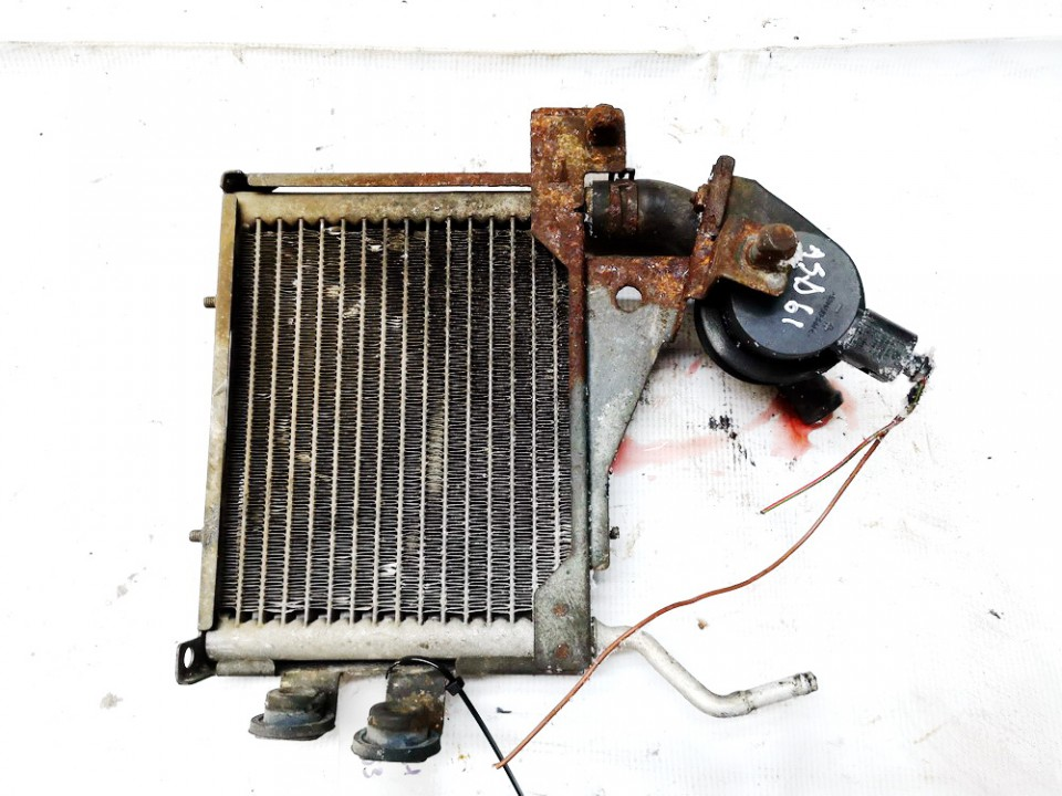 Kuro radiatorius (ausinimas) (Benzino - Dyzelio) Volkswagen Passat 1999    1.9 8d0203503a
