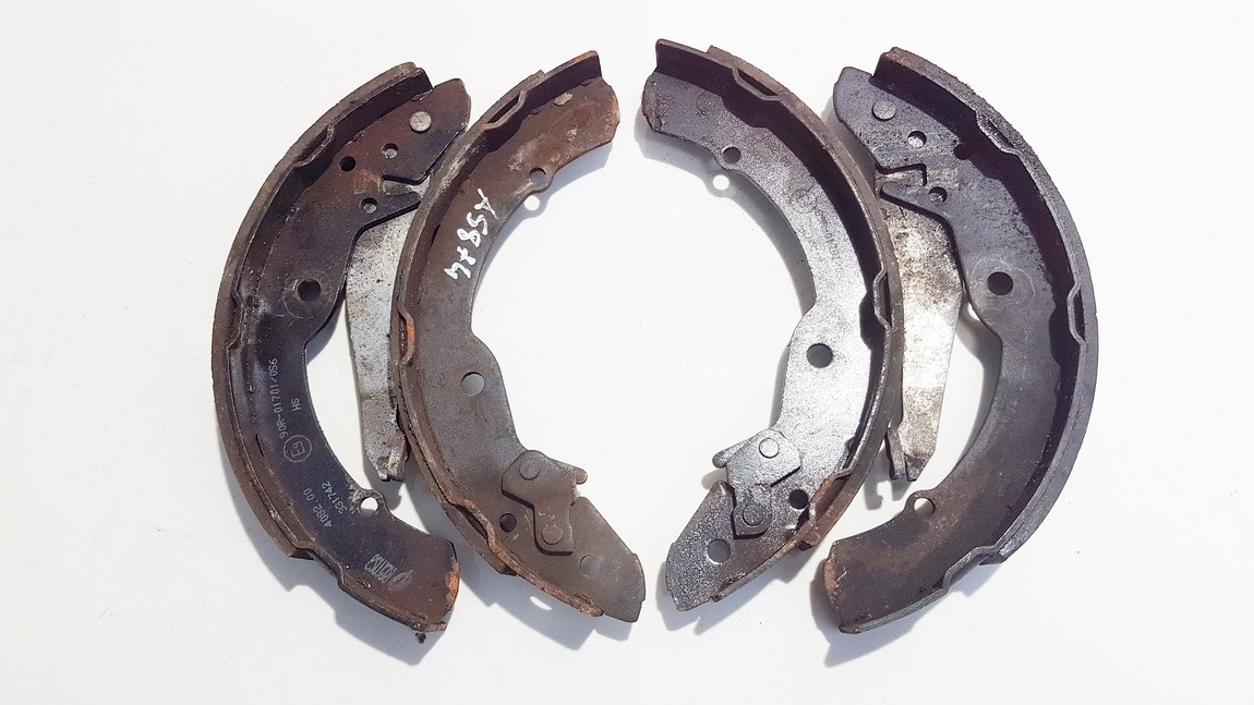 Brake Shoe Kit Skoda Roomster 2008    1.4 90r01701056