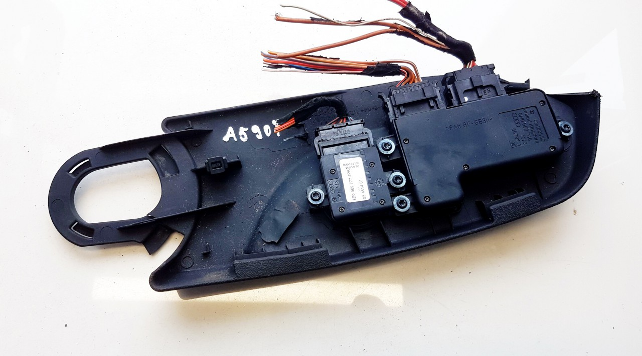 Sedynes atminties mygtukai P.D. Audi A4 2005    3.0 8H0959748