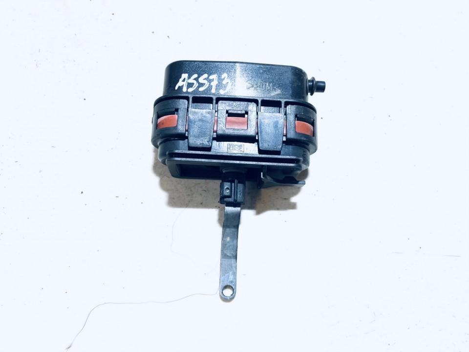 Duru uzrakto vakuumine pompele Mercedes-Benz CLK-CLASS 1998    2.0 9070440172