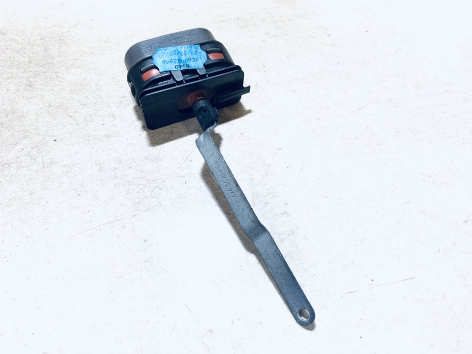 Duru uzrakto vakuumine pompele Mercedes-Benz E-CLASS 2000    0.0 9061821262
