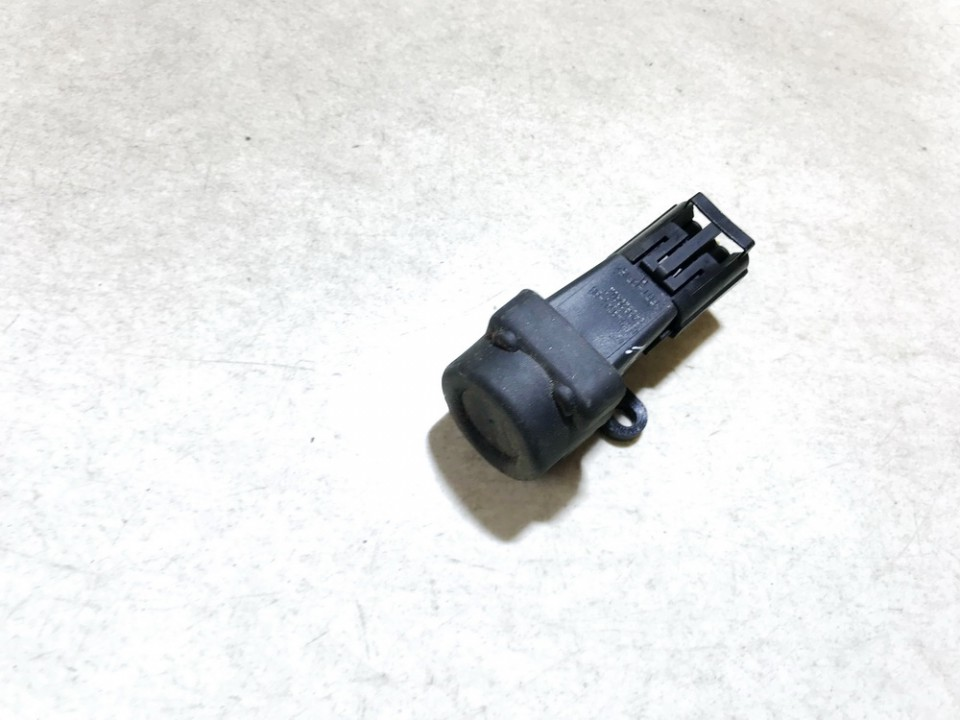 Inertia fuel cut off switch (FUEL CUT OFF SWITCH) Ford Mondeo 2003    2.5 1s7t9341ba