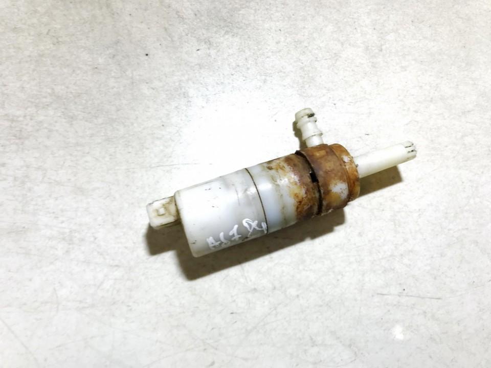 Zibintu apiplovimo varikliukas Kia Sorento 2004    2.4 used