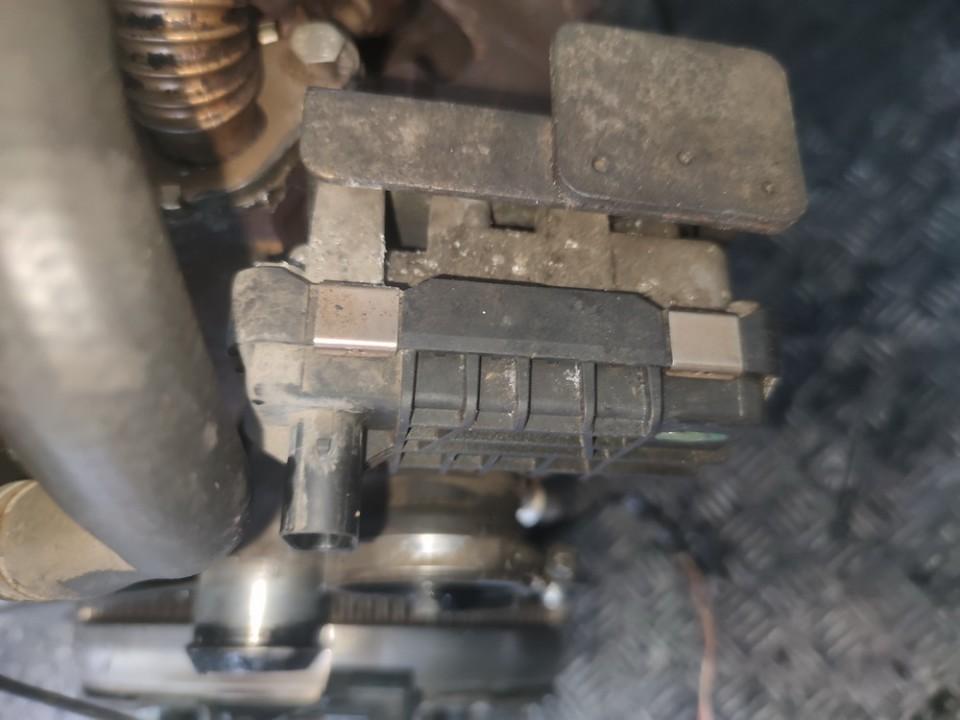 Turbinos valdymas Ford Focus 2006    1.8 712120